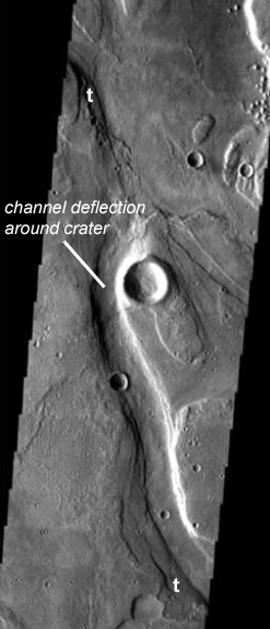 Terraces (t) and deflection of Reull Vallis around a crater